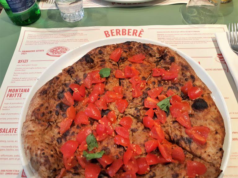 Pizzeria Berberè Isola pizza Babaganoush