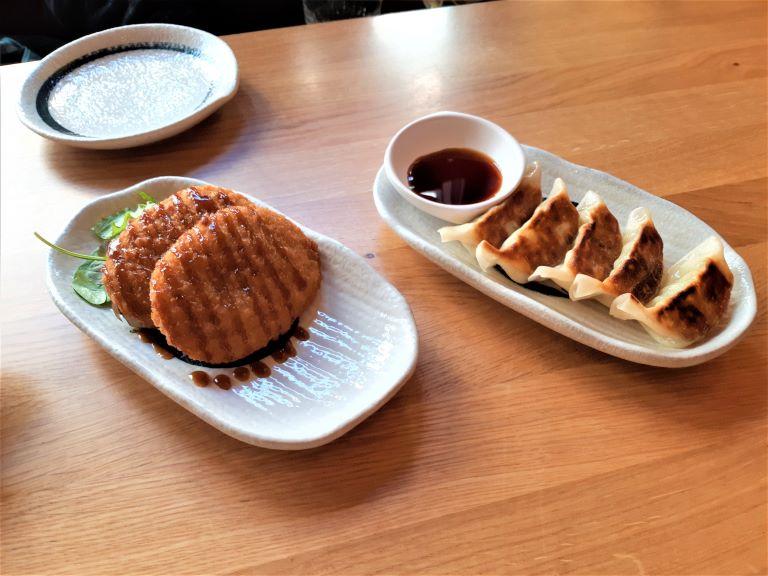 Takumi Ramen Kitchen antipasto polpette e gyoza vegan
