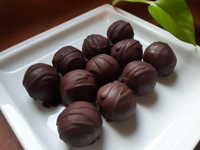 Bonbon-cocco-arachidi-cioccolato