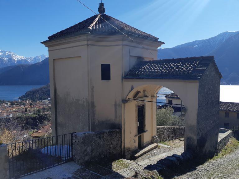 Greenway-del-lago-di-Como_8-cappelle-del-Santuario-Vergine-del-Soccorso